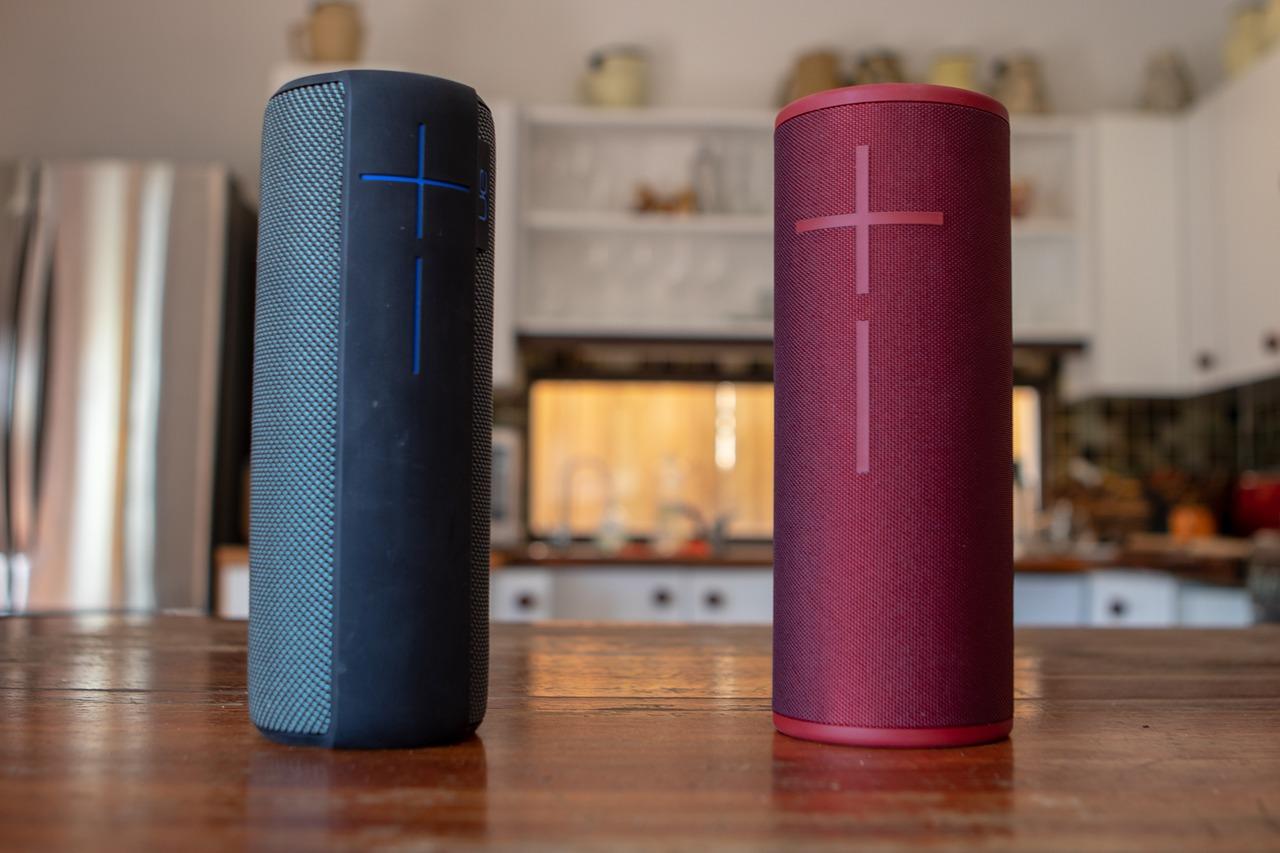 Depuis quelques années maintenant, les enceintes Bluetooth sont des gadgets très en vogue. Légère, autonome ; elles donnent un son de qualité. En d'autres termes, il s'agit d'une des technologies les plus prisées du moment. Avec une enceinte Bluetooth, vous pouvez trouver une solution simple et pratique pour sonoriser une fête que ce soit à l'intérieur d'une pièce ou en plein air. Si vous souhaitez acquérir votre première enceinte Bluetooth, on vous propose ici quelques astuces pour faire le bon choix.